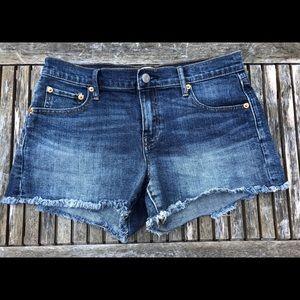 Gap cutoff shorts
